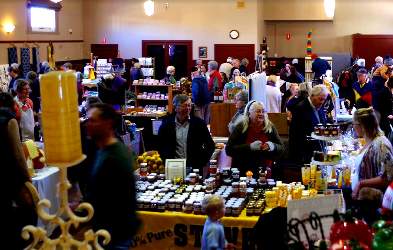 Photograph of the Bundanoon Memorial Hall with the markets taking place