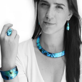 mo-resin-meditation-blue-julia.jpg